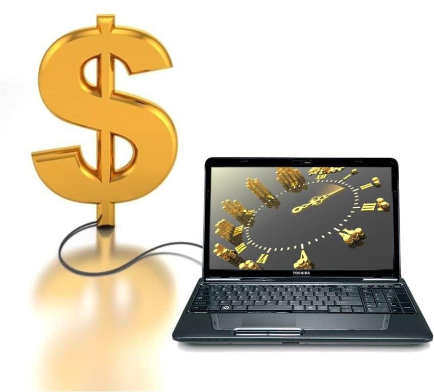 Ноутбук и доллар