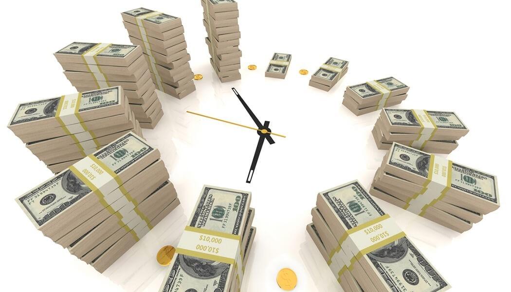 Часы с деньгами