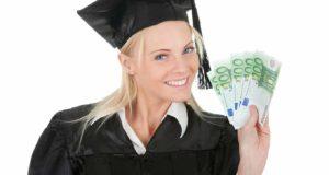 Выпускница с деньгами