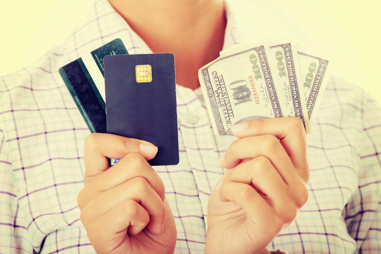 Карточка и доллары
