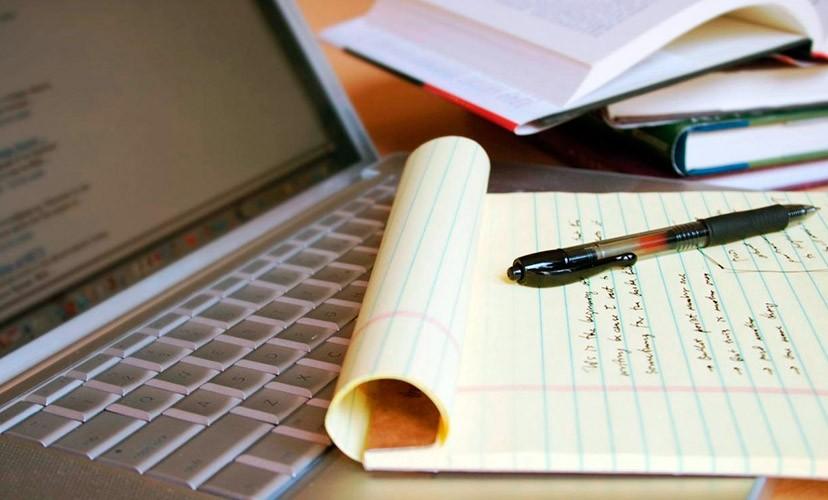 Ручка и блокнот