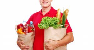 Мужчина с продуктами