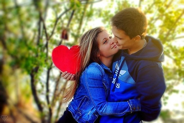 Как влюбить в себя девушку если она любит другого