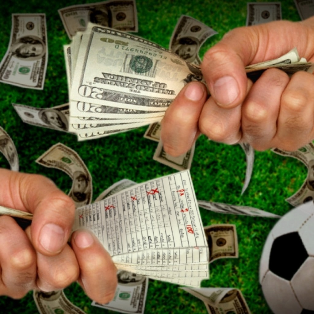 Деньги в руках