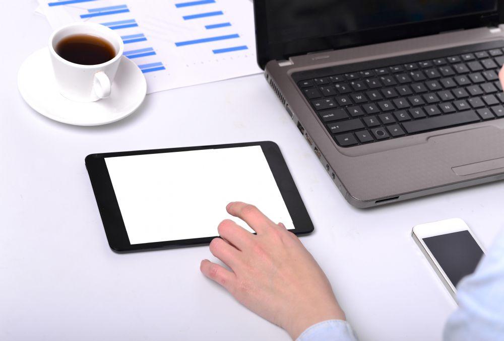 Работа на планшете и ноутбуке